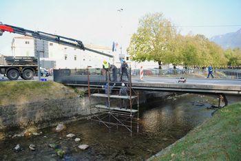 Most čez Hubelj z novo ograjo