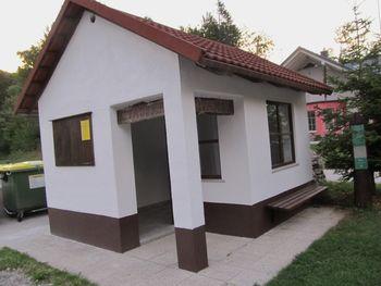 V Moji pobudi obnovljene čakalnice na Gori