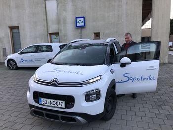 Novo vozilo za prevoze starostnikov