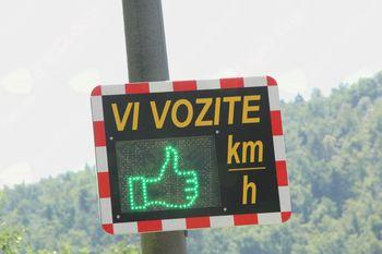 Merjenje hitrosti  z radarskimi tablami