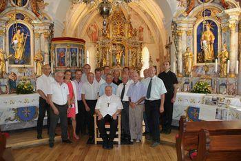 Blagoslov oltarjev v cerkvi sv. Kancijana na Vrzdencu