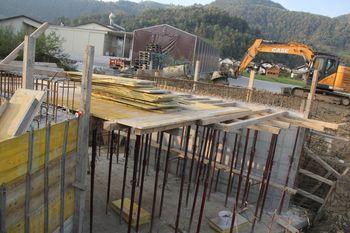 Pri Metrelu se gradi nov most