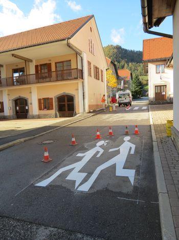 Pozor, otroci na cesti!