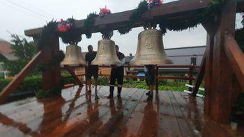 Lesno Brdo je bogatejše za nove zvonove