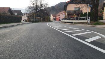 Skozi Horjul po novem asfaltu