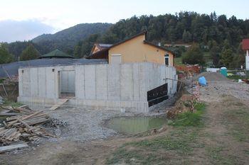 Zaključeni pomembni večletni projekti, ostala dela napredujejo po načrtu