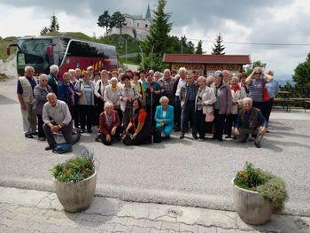 Izlet najstarejših iz DU Preddvor na Zasavsko Sveto goro