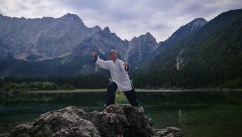 Taijiquan in qigong, meditacija v gibanju, blagodejna za telo in duha