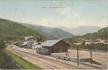 """""""Nova železnica je otvorjena, predrte so planke in skozi nje je udarilo svetovno valovje v naše kraje"""" – prihod prvega vlaka v Kanal"""