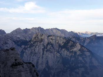 Planinski izlet Škrlatica, Razor