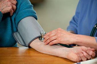 Brezplačne meritve krvnega tlaka, sladkorja in holesterola