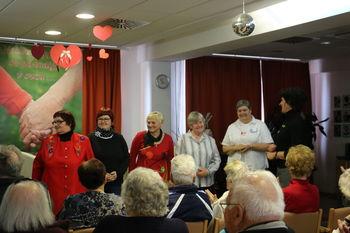 Gledališka skupina KMC razveselila in nasmejala