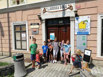 Počitniško dogajanje za otroke v Hiši Sadeži družbe Logatec