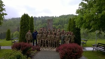Pripadniki Poveljniško štabne šole SV na Medvedjeku