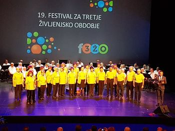 Mešani pevski zbor upokojencev DCAdur DCA Ljubljana vabi nove MOŠKE člane, zelo zaželjeni tenoristi