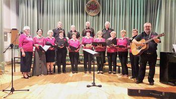 Mladi po srcu so bili gostje na letnem koncertu MePZ Drenov Grič - Lesno Brdo