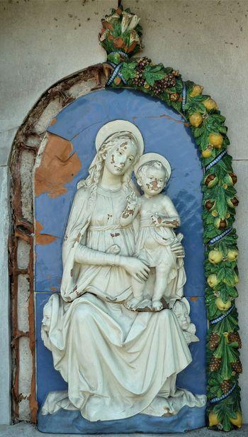 Relief Marije z Detetom z grobnice Galletovih na Verdu