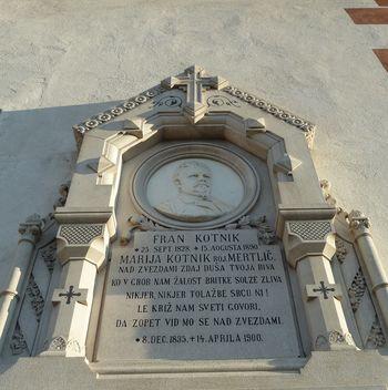 Rendićev nagrobni spomenik Frana Kotnika v Verdu