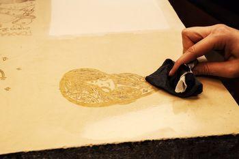 Mokulito – litografija na lesu, grafična delavnica, vodi umetnica Tihana Karlović