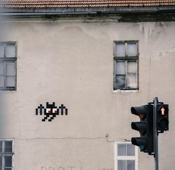 Invader's Street Art Tour, voden sprehod po ljubljanski ulični umetnosti