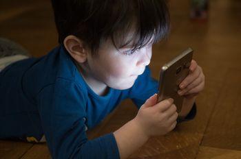 Sodobni mediji in vpliv tehnologije na predšolske otroke
