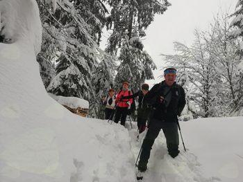 26. pohod po Šisernikovi spominski poti: Slovenjgraški planinci premagali zasnežene pohorske strmine