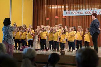 Srečanje otroških folklornih skupin