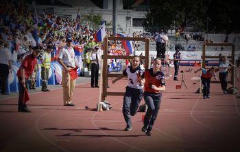 Za mladinci in mladinkami je nastop na gasilskih olimpijskih igrah