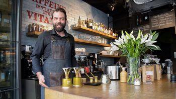 Na Vrhniko prihaja svetovni prvak v kuhanju kave