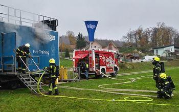 Usposabljanje gasilcev v simulatorju ognja