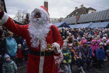 Božično-novoletni sejem prežet z dobrodelnostjo in zabavo