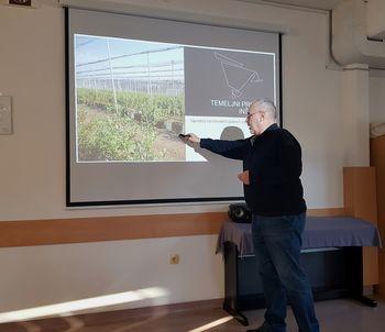 Predstavitev projekta pridelave Borovnic v pokritih nasadih