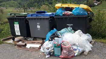 Nepravilno odlaganje odpadkov na Lesnem Brdu