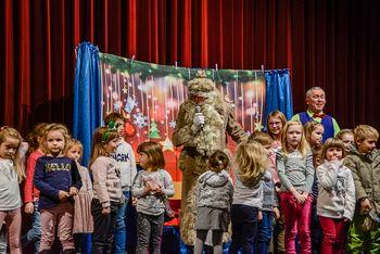 Dedek Mraz obiskal najmlajše