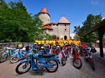 Blatn'čani s Tomosovimi motorji pohajkovali po Sloveniji