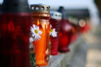 Bliža se prvi november, izognite se gneči na pokopališčih