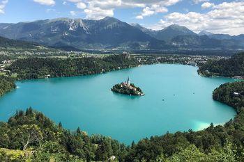 Študijski krožek Živim v Sloveniji