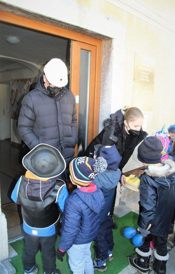 Male maškare preganjale zimo