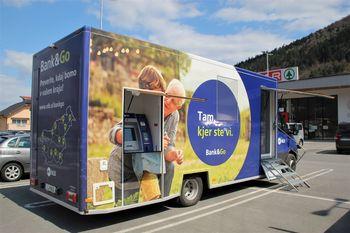 NLB mobilna banka prvič na obisku v Borovnici