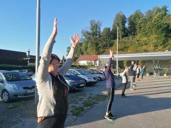 Jutranja telovadba s Poskočnimi Ložani