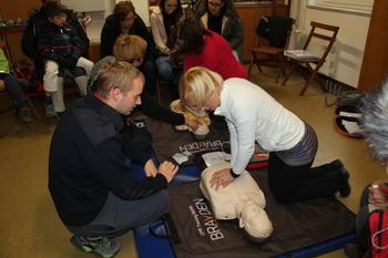 Nov defibrilator na Logu