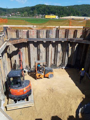 Gradnja kanalizacije še naprej po planih