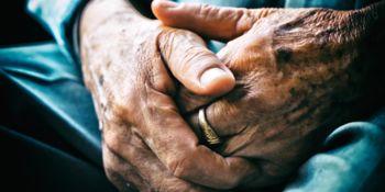 Družabništvo starejših oseb