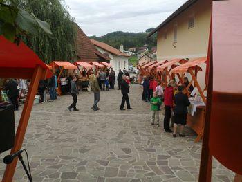 Šentjanška tržnica, pohod in otvoritev razstave ArtEko