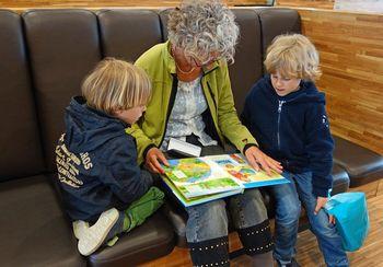 Babi servis ponuja pomoč mladim družinam