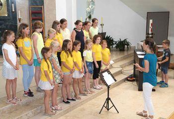 Peli otroški pevski zbori dekanije Žalec