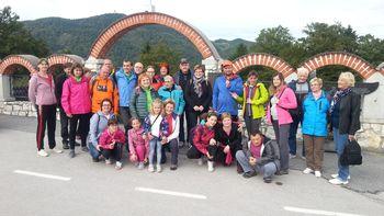 Člani društva Sožitje na vandranju po Andražu