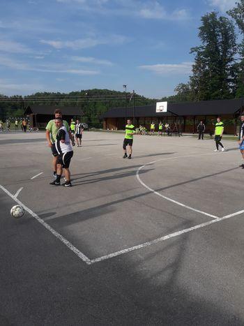 Vabilo na 30 ur malega nogometa med mladimi in starimi člani Športnega društva Andraž