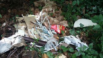 Čeprav redko, se odlaganje smeti še pojavlja
