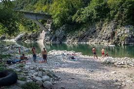 """Poročilo o izvedeni nalogi Spremljanje kakovosti površinske kopalne vode v Desklah pod mostom """"Plac pod Rkac"""""""